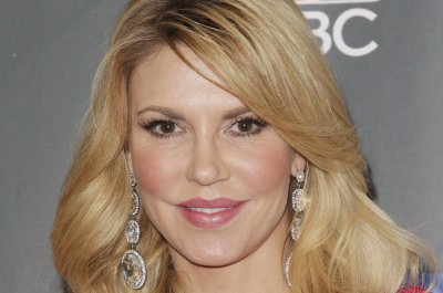 Brandi Glanville discusses her many plastic surgeries