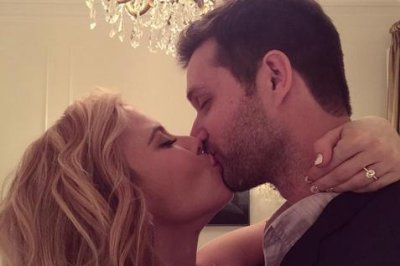 Tara Lipinski, producer Todd Kapostasy engaged