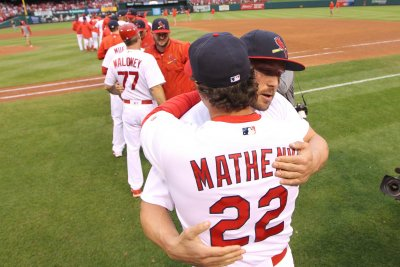 St. Louis Cardinals give manager Mike Matheny three-year extension