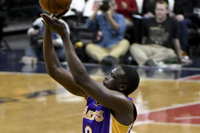 Los Angeles Lakers' Luol Deng has successful pectoral surgery