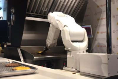 Flippy the robot takes over burger duties at California restaurant