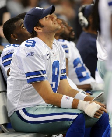 Romo: Injured hand getting better