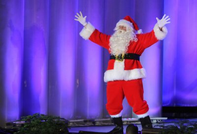 Aging expert: Santa may be healthier than he appears
