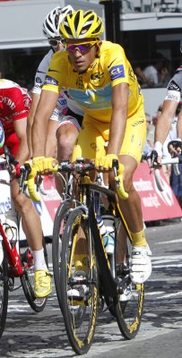 Vinokourov takes Stage 13; Schleck leads
