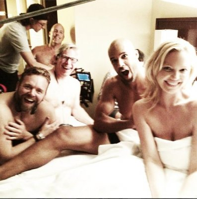 Katherine Heigl shares topless photo from 'State of Affairs' set