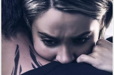 Shailene Woodley, Theo James embrace in 'Allegiant' posters