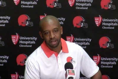 Cleveland Browns' Pep Hamilton considers joining Jim Harbaugh at Michigan