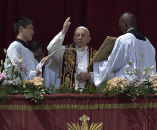 Pope prays for peace, decries 'vile' Syria attack in Easter address