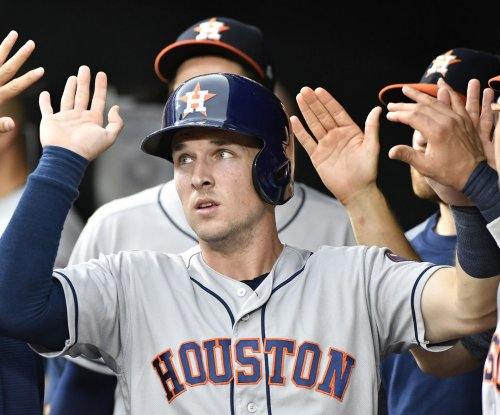Houston Astros rally past Toronto Blue Jays