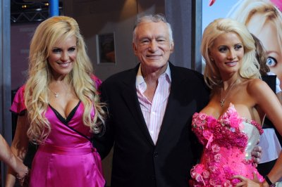 Kendra Wilkinson, Pamela Anderson and more mourn Hugh Hefner