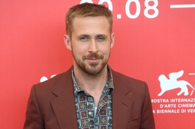 Ryan Gosling hopes to honor Neil Armstrong in 'First Man'