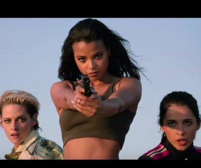 'Charlie's Angels' work outside the rules in new trailer