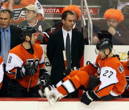 Flyers to give coach contract extension