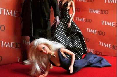 Amy Schumer shares Barbie recreation of her Kim and Kanye fall