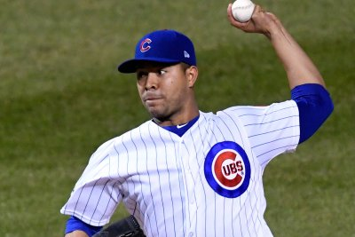 Cubs, Quintana try to keep Giants down