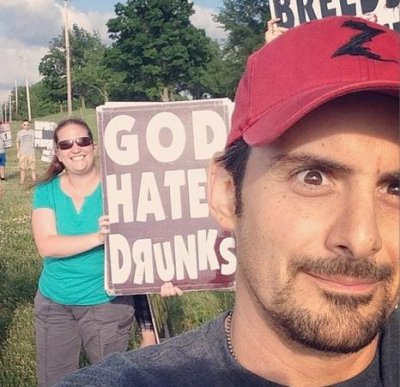 Brad Paisley snaps selfie mocking Westboro Baptist Church protesters