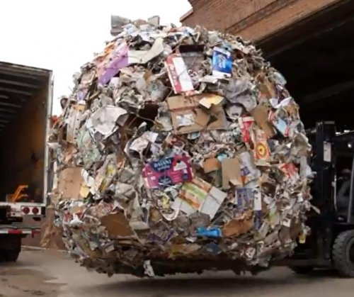 Minnesota's giant paper ball sets Guinness record