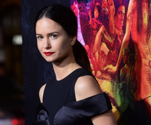 Katherine Waterston to play American witch in 'Fantastic Beasts'