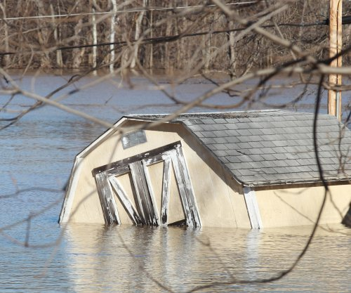 Mississippi river flood surge moves South
