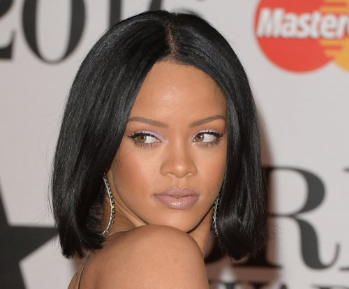Rihanna launches scholarship program for foreign students