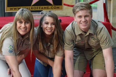 Robert Irwin says he will walk his sister Bindi down the aisle
