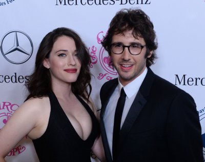 '2 Broke Girls' star Kat Dennings met Josh Groban through Beth Behrs
