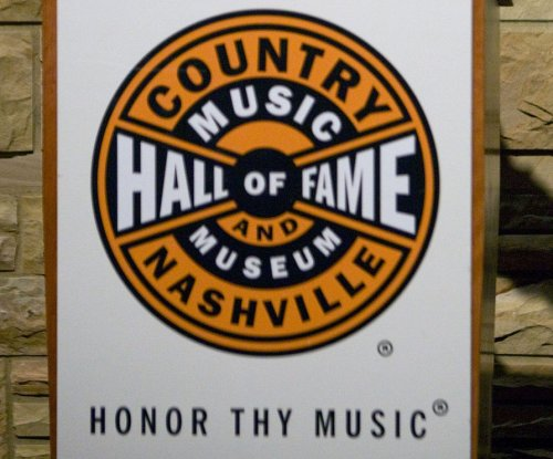 Country Hall of Famer Bonnie Brown has lung cancer