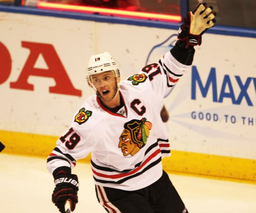 Chicago Blackhawks captain Jonathan Toews leaves with unspecified injury