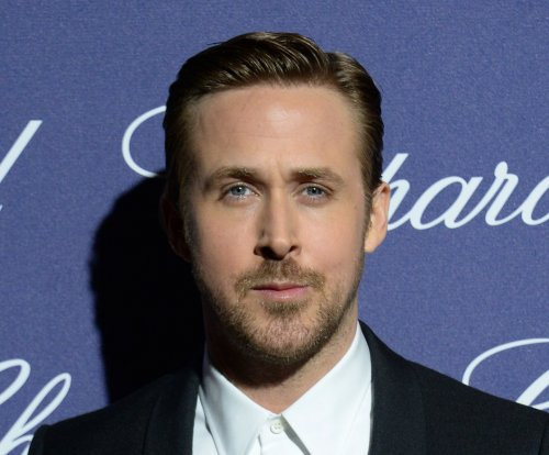 Ryan Gosling honors Debbie Reynolds: 'She was an inspiration'