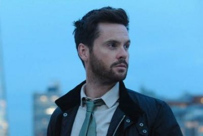 Tom Riley filming 'Dark Heart' series