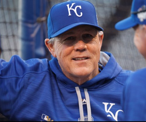 Royals aim for series win over White Sox before break