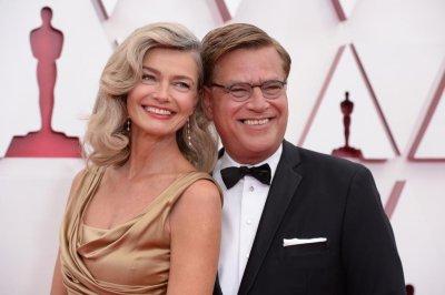 Aaron Sorkin, Paulina Porizkova make red carpet debut at Oscars