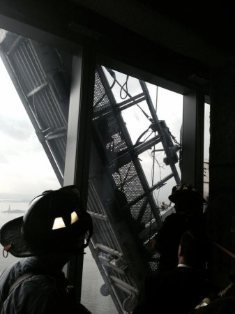 2 window washers trapped outside 60th floor of the One World Trade Center