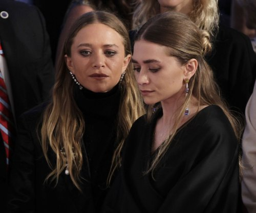 Ex-intern sues Olsen twins' company for unpaid work