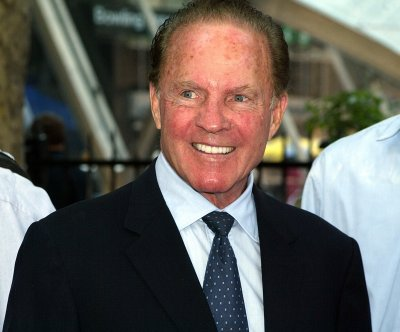 Frank Gifford had CTE brain disease, family says