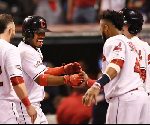 Cleveland Indians ride homers, 'pen to Game 1 win over Chicago White Sox