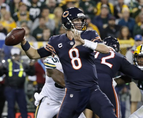 John Fox: Chicago Bears evaluating everything, including quarterback