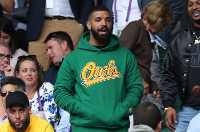 Drake spotted cheering on Serena Williams at Wimbledon