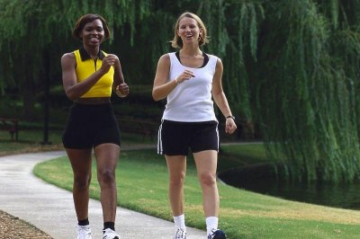 Arm position key to walking efficiency, study shows