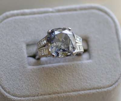 Golfer's lost engagement ring returned two months later