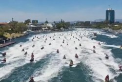 More than 150 Santas ride jet skis for Guinness record