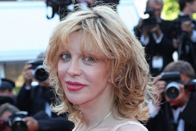Courtney Love joins ABC drama 'Revenge'