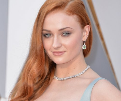 Sophie Turner talks licking Tyrion mask on 'Conan'