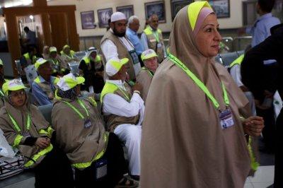 Egypt opens Gaza border crossing for Palestinian pilgrimage