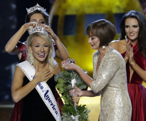 Miss Arkansas Savvy Janine Shields is crowned Miss America 2017