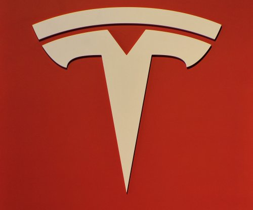 Tesla to debut semi-truck this summer, pickup truck within 2 years