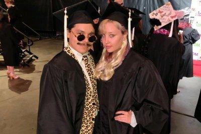Amanda Bynes graduates from fashion design school