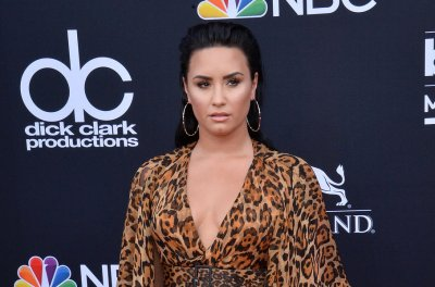 Famous birthdays for Aug. 20: Demi Lovato, Joan Allen