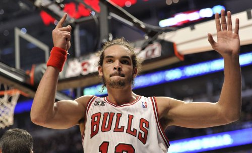 Chicago Bulls' Noah has surgery on thumb