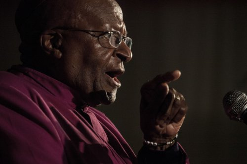 Archbishop Tutu criticizes exclusion of Afrikaners at Mandela memorial services